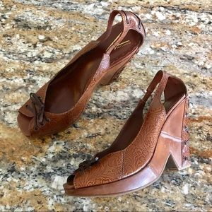 Vince Camuto | Brown Leather Peep Toe Wedges 9